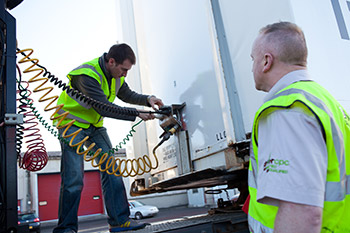 Uncoupling and Recoulpling a trailer, class 1, driver training, Belfast, Northern Ireland